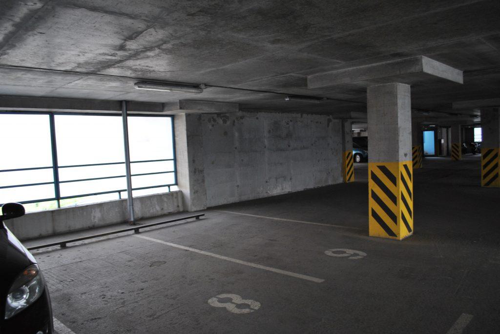 Крытая парковка в СПб 2019 фото