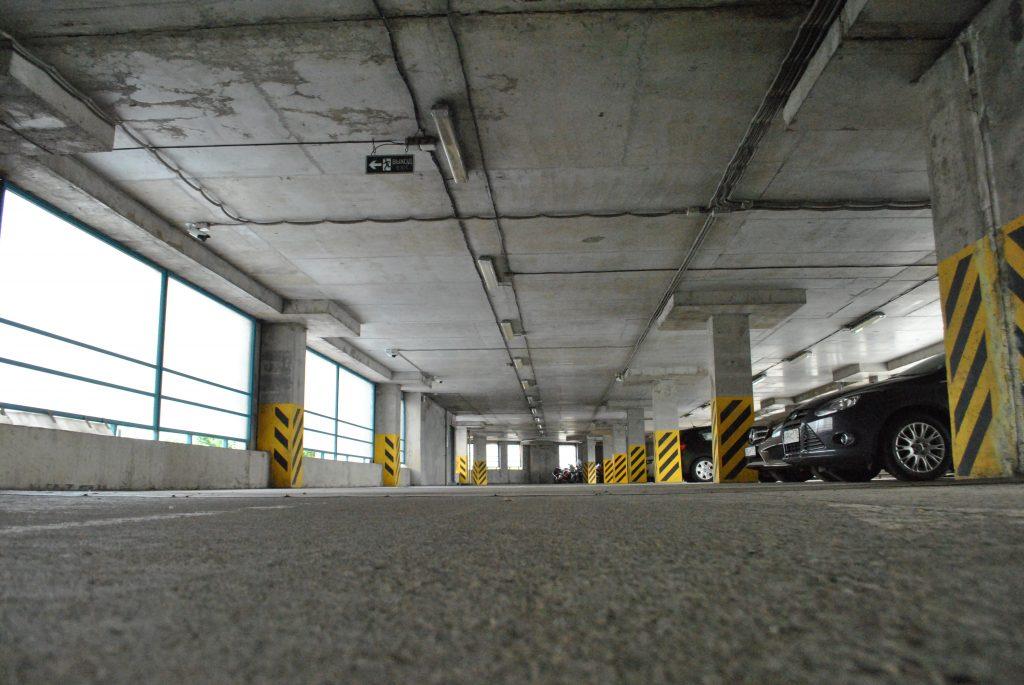 фото парковки изнутри